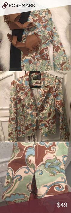"""❤️NICOLE MILLER JACKET❤️ Amazing print Nicole Miller Jacket. Fitted and sophisticated. 2 side pockets, slit sleeves, darted back. To die for. Worn once. Measurements=19"""" bust, 16.5"""" waist, 23""""length from shoulder. 97% Cotton, 3% Spandex Nicole by Nicole Miller Jackets & Coats Blazers"""
