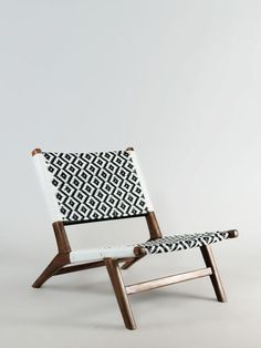 Working on a new interior design project? Find out the best mid-century sofa and chair inspirations for your interior design project at http://essentialhome.eu/