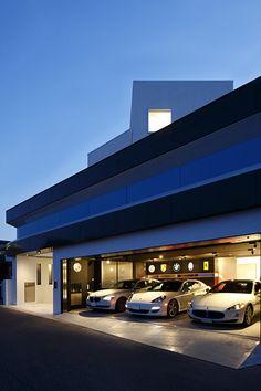 Garage - modern home