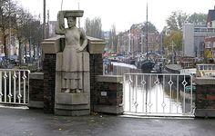 """De Vissersvrouw"" (1951) - Willem Valk. Brug Noorderhaven, Groningen. The Netherlands."