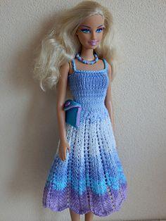 Lilac dress pattern by Gebreide jurk met ajourrok voor Barbie. Crochet Barbie Patterns, Crochet Doll Dress, Barbie Clothes Patterns, Crochet Barbie Clothes, Doll Clothes Barbie, Barbie Dress, Clothing Patterns, Dress Patterns, Knit Patterns