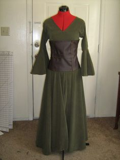 Elf/Renaissance Dress  •  Free tutorial with pictures on how to make a full costume in 15 steps