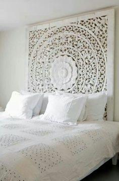Hoofdbord bed http://www.welke.nl/lookbook/Tamara/Geef-je-bed-een-origineel-hoofdbord/bydjess/bed-achterwand-bed-bedroom.1350759260