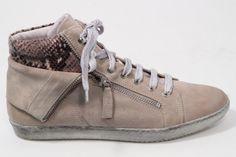 D-Lusil schoenen koop je bij http://www.aadvandenberg.nl/dames/dlussil