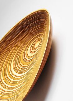 An unique Leaf dish, by Tapio Wirkkala (Finnish) ca.1951. Material birch laminated plywood. Produced by Martti Lindqvist, Finland. Picture copyright by Scandinavian Collectors 2014.