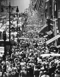 Lunch Rush on Fifth Avenue, NYC, 1950