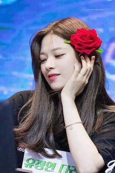 she's so ethereal sometimes i cant believe she's real ☠️ ——— © ❥ 190504 ——— Suwon, Kpop Girl Groups, Korean Girl Groups, Kpop Girls, Twice Jungyeon, Twice Kpop, Nayeon, Jonghyun, K Pop