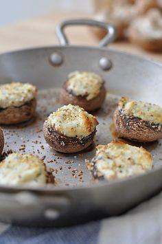 Petits champignons farçis pour l'apéritif