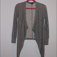 American eagle cardigan ITEM- AE Cardigan CONDITION- Never worn: STYLE- Cardigan COLOR- Gray SIZE- XS FIT-  true to size Perfect for layering and for summer. American Eagle Outfitters Sweaters Cardigans