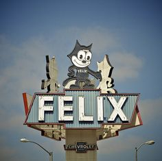 love this Felix sign...