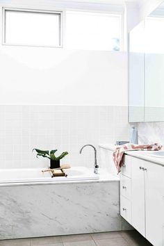 Bathroom in neutral tones