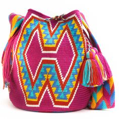 Wayuu Boho Bags with Crochet Patterns Tapestry Bag, Tapestry Crochet, Designer Knitting Patterns, Crochet Patterns, Wiggly Crochet, Mochila Crochet, Ethnic Bag, Knitted Bags, Crochet Bags