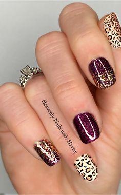 Sassy with a Capitol S! Get Nails, Fancy Nails, Pink Nails, How To Do Nails, Hair And Nails, Nail Color Combos, Nail Colors, Beautiful Nail Designs, Cute Nail Designs