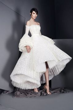 We have 25 pretty perfect off shoulder wedding dresses that will blow your mind. From classic to sexy, there's a gown for every bride.
