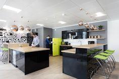 A Peek Inside Nicoll Curtin's New London Office - Officelovin