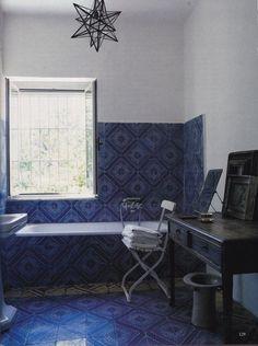 focus-damnit:  (via Nicola del Roscio-Gaeta-Italy-Cy Twombly-The World of Interiors-June 2004-Simon Upton )