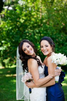 sister sister wedding pic