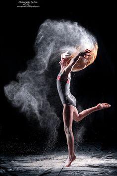 Copyright: photography by don dance танец дождя, танец. Gymnastics Senior Pictures, Gymnastics Chalk, Gymnastics Poses, Gymnastics Photography, Gymnastics Problems, Acrobatic Gymnastics, Olympic Gymnastics, Olympic Games, Chalk Photography
