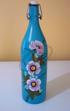 Recycled Glass Bottles, Painted Wine Bottles, Lighted Wine Bottles, Bottle Lights, Bottles And Jars, Wine Bottle Art, Diy Bottle, Wine Bottle Crafts, Mosaic Bottles