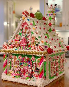 Hand made and designed by Cathy Daniel, message with any questions! Cool Gingerbread Houses, Gingerbread House Designs, Gingerbread House Parties, Gingerbread Crafts, Gingerbread Village, Christmas Gingerbread House, Christmas Love, Christmas Goodies, Christmas Candy