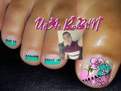 La imagen puede contener: 1 persona, texto y primer plano Toe Nail Art, Toe Nails, Toe Nail Designs, Nailart, Finger, Instagram Posts, Pedicures, Veronica, Diana