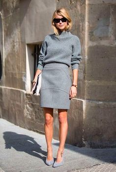 O look monocromático fica ainda mais cool com saia
