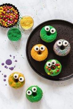 Halloween Donuts, Halloween Party, Monster Muffins, Cupcakes, Donut Shop, Monster Party, Doughnuts, Kids Meals, Desserts