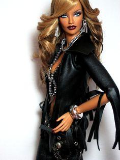 Fashion Royalty Doll OOAK repaint by Claudia African American Beauty, African American Dolls, Fashion Royalty Dolls, Fashion Dolls, Bad Barbie, Diva Dolls, Glam Doll, Beautiful Barbie Dolls, Dress Up Dolls