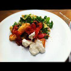 Ensalada de Couscous con Pollo, Beicon y Crema de Queso Azul