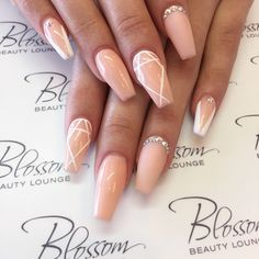 blossombeautylounge | Single Photo | Instagrin