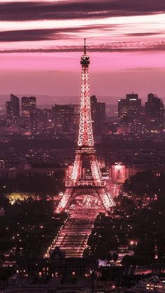 me encanta la torre ifel - Best Hair Styles EVER Bedroom Wall Collage, Photo Wall Collage, Picture Wall, Aesthetic Pastel Wallpaper, Aesthetic Wallpapers, Aesthetic Backgrounds, Aesthetic Pastel Pink, Eiffel Tower Art, Paris Tower