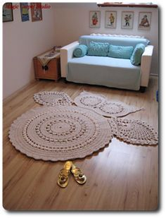 The carpet measures: Free pattern
