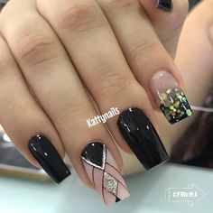 Black Nail Designs, Black Nails, Make Up, Glitter, Manicures, Diana, Beauty, Instagram, Gold Nails
