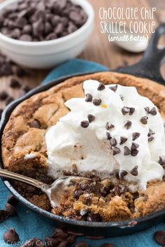 Small Batch Chocolate Chip Skillet Cookie {for Small Batch Chocolate Chip Skillet Cookie - What's more joyful than a chocolate chip cookie?except a Chocolate Chip Skillet Cookie that's small batch and made for Cast Iron Skillet Cookie, Skillet Chocolate Chip Cookie, Iron Skillet Recipes, Skillet Meals, Chocolate Chip Cookies, Chocolate Muffins, Skillet Brownie, Recipe For Skillet Cookies, Giant Chocolate