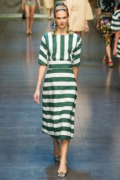 Celebrities who wear, use, or own Dolce & Gabbana Spring 2013 RTW Striped Dress. Also discover the movies, TV shows, and events associated with Dolce & Gabbana Spring 2013 RTW Striped Dress. Dolce & Gabbana, Fashion Gallery, Fashion Show, Fashion Design, Milano Fashion Week, Milan Fashion, Runway Fashion, Couture, Mode Inspiration