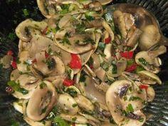 Grandma's mushroom salad - raw - recipe with picture - Essen und trinken - Raw Food Recipes Chicken Recipes For Two, Healthy Chicken Recipes, Raw Food Recipes, Italian Recipes, Drink Recipes, Healthy Eating Tips, Healthy Nutrition, Roh Vegan, Mushroom Salad