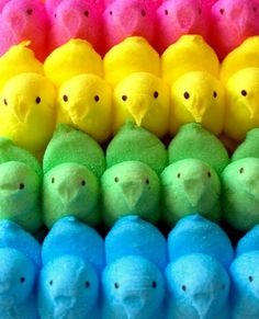 ✿❁✽Delightful✾✽❃ — A Rainbow of Marshmallow Peeps Taste The Rainbow, Over The Rainbow, Rainbow Things, Rainbow Stuff, World Of Color, Color Of Life, Unicorn Food, All The Colors, Vibrant Colors