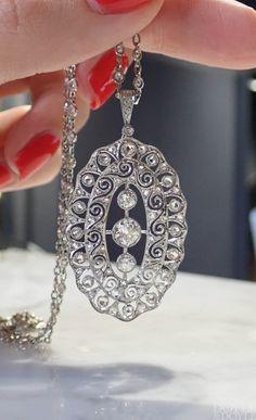 Art Deco Filigran Diamant Anhänger an Diamantkette - - . - Art Deco Filigran Diamant Anhänger an Diamantkette – – - Geek Jewelry, Art Deco Jewelry, Fine Jewelry, Photo Jewelry, Jewlery, Jewelry Necklaces, Art Deco Necklace, Art Deco Ring, Art Deco Diamond