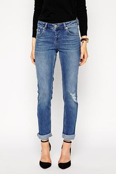 How To Never Look Cheap — No Matter How Little You Spend #refinery29  http://www.refinery29.com/how-to-look-expensive#slide2  The piece: Jeans The culprit: Stretch Jeans with too much stretch can look thin, insubstantial, and more youthful than you intend — think the pile of $10 jeggings in your nearest teen emporium. You want weighty denim that looks like it can take a beating, and not rip if you get off the couch too quickly. A good ratio to look for is 98% cotton, 2% elastane (also known…