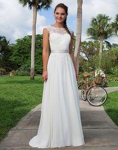 Flirty and Feminine Wedding Dresses | Sweetheart Gowns