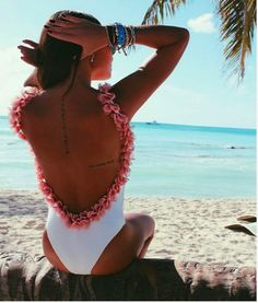 ❤  $18.99 One-piece Swimsuit ❤ White 3D Petal Trim Backless
