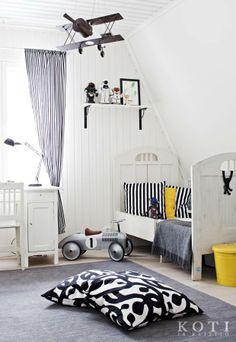 Mustavalkoinen pehmo | Koti ja keittiö | Kuvaussuunnittelu Mia Lundberg | Kuva Kirsi-Marja Savola