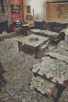 35 Funny Memes & Pics That'll Crazy Up Your Humorless Day - Funny Pictures ~Room covered in money, drug money Imágenes efectivas que le proporcionamos sobre re - Money On My Mind, My Money, Cash Money, Gold Money, Money Box, Extra Money, Rich Lifestyle, Luxury Lifestyle, Make Money Online