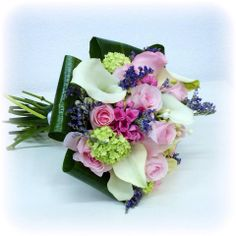Ramo de novia. #weddingbouquet #bouquet #eventplanner #weddingplanner #rosas #roses #hidrangeas #hortensias #ramodenovia #organizaciondebodas #organizaciondeeventos #flores #floristeria #floristeriavillaverde