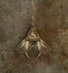 Victorian Punk Jewels - These Victorian, steampunk-style accessories are part of a collection called 'Harem Royal' by designer Roman. Fashionistas who love gothi...