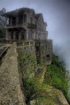Schlafende Schönheiten - Hotel del Salto, Bogota, Kolumbien