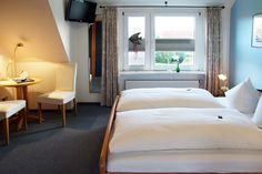 Doppelzimmer. Hotel Ostfriesland in Norden - Norddeich Deutschland. Double room in Hotel Ostfriesland, North Sea, Germany.