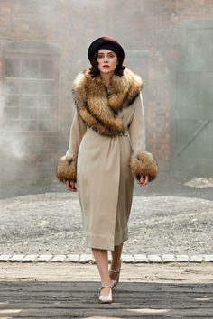 Sophie Rundle as Ada Shelby in Peaky Blinders Ada Peaky Blinders, Costume Peaky Blinders, Peaky Blinders Theme, Peaky Blinders Series, Peaky Blinders Quotes, Peaky Blinders Fancy Dress, Peaky Blinders Clothing, Peaky Blinders Characters, Peaky Blinders Season 5