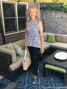 Fashion over Black and White on Repeat - Southern Hospitality Fall Fashion For Women Over 60, Over 60 Fashion, Fashion Tips For Women, 50 Fashion, Modest Summer Outfits, Summer Outfits Women, Summer Fashions, Perfect Little Black Dress, On Repeat