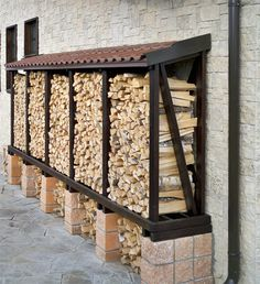 You want to build a outdoor firewood rack? Here is a some firewood storage and creative firewood rack ideas for outdoors. Outdoor Firewood Rack, Firewood Shed, Firewood Storage, Garden Pool, Backyard Patio, Backyard Landscaping, Backyard Plants, Pool Plants, House Plants